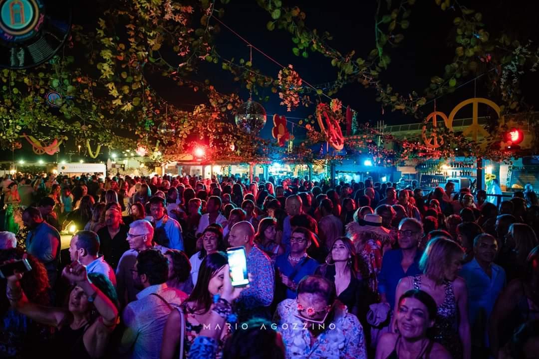 Fluo Party L 11 Luglio Grande Serata Alla Terrazza Flegrea